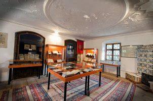 muzeul primei scoli romanesti atractii  brasov