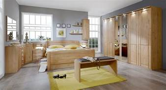schlafzimmer komplett modern schlafzimmerprogramm aus erle mit viel stauraum trikomo