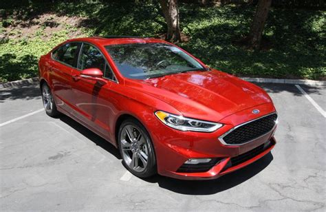 drive 2017 ford fusion driving
