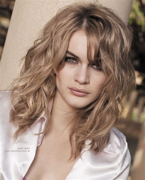 24 awesome medium length hairstyles for thick wavy hair