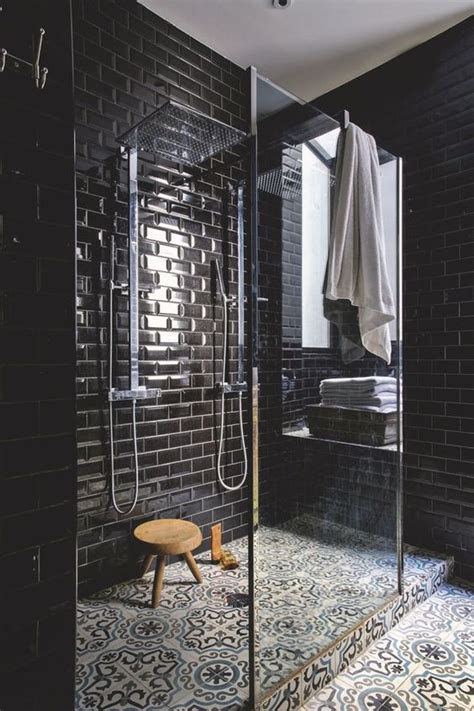 Schwarze Fliesen Bad by 25 Chic And Stylish Bathrooms With Black Walls Digsdigs