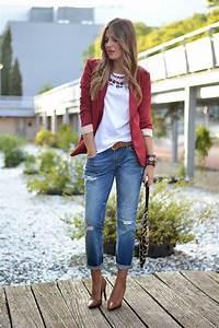 Pantalon vaquero - camiseta en blanco u0026 blazer en rojo ...