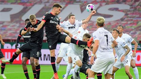 The sport of association football. Fußball: Handspiel-Regel soll erneut geändert werden ...