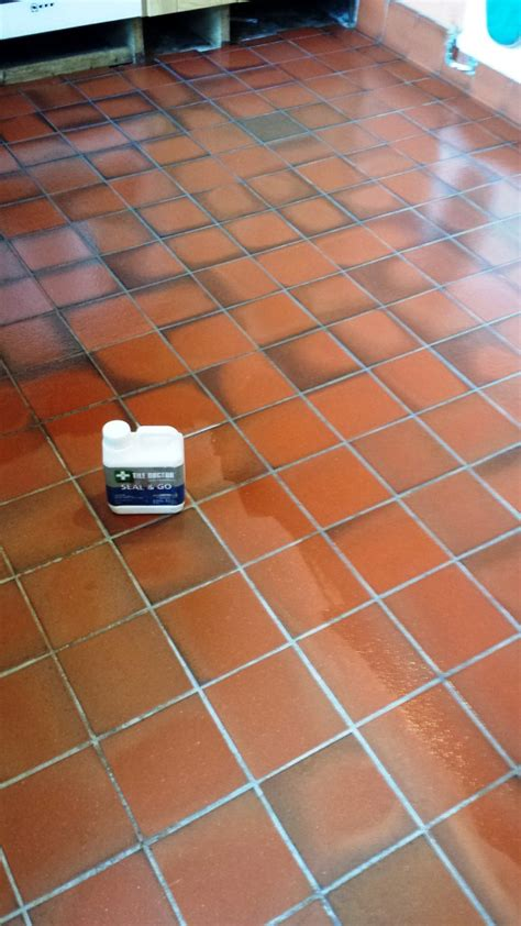 quarry tiles kitchen kitchen floor cleaning south east wales tile doctor 1701