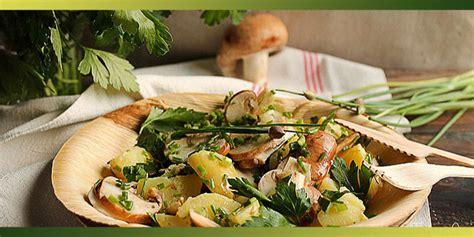 cuisiner pied de mouton salade de pommes de terre primeurs chignons et herbes