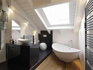 Badezimmer Mit Schräge : die besten 25 bad mit dachschr ge ideen auf pinterest ~ Lizthompson.info Haus und Dekorationen