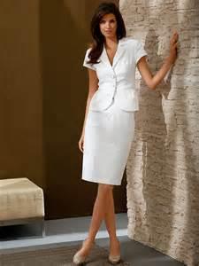 tenue femme pour mariage tenue mariage femme nous sommes obsédés par cette robe de mariée glam