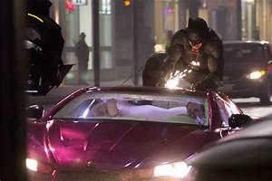 Batman Suicid Squad : batman jumps on joker 39 s car in 39 suicide squad 39 watch movies entertainment ~ Medecine-chirurgie-esthetiques.com Avis de Voitures