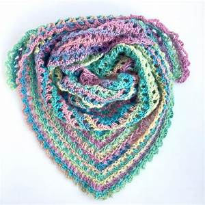 19 Stylish And Easy Crochet Scarf Patterns