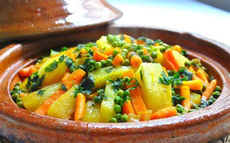 Tajine De Lapin Aux Petits Pois Et Carottes Recettes De Tajines Marocains Cuisine Marocaine