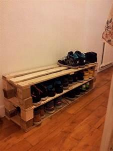 les 25 meilleures idees de la categorie porte chaussures With meuble entree chaussure vestiaire 12 range chaussures banc cintre et hatstand pour le
