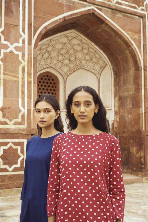 uniqlo  rina singh collaboration   set  hit  indian markets