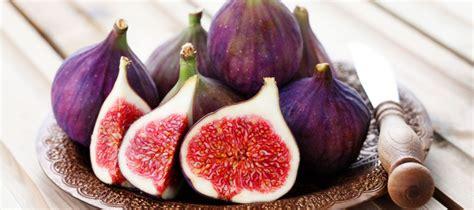 comment cuisiner des figues la figue s 39 invite dans les recettes des chefs
