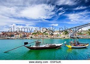 Fluss In Portugal : porto portugal altstadt am fluss douro stockfoto bild 81450804 alamy ~ Frokenaadalensverden.com Haus und Dekorationen