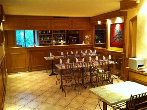 la cuisine proven軋le restaurant le square restaurants à mazaugues office de tourisme de entrecasteaux