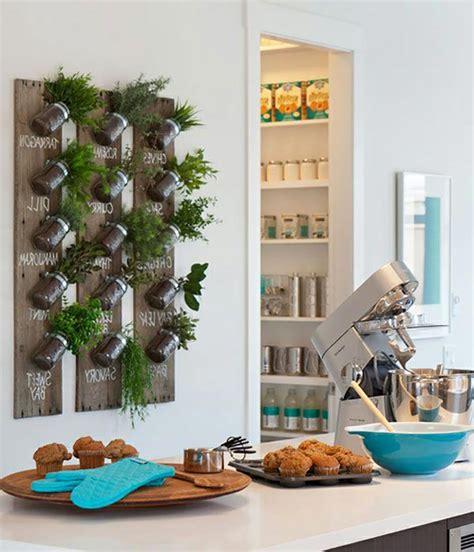 herbe de cuisine mini jardinières et pots d intérieur aux herbes aromatiques