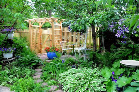 gardening  small spaces canadas local gardener magazine