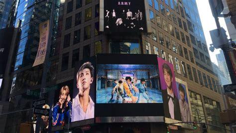 fans  bts  massive billboard   yorks times square sbs popasia