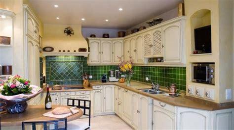cuisine ancienne repeinte cuisine rustique blanche photo 12 15 un style très