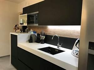 Cuisine Blanc Et Noir : cuisine plan de travail blanc evier noir ~ Voncanada.com Idées de Décoration