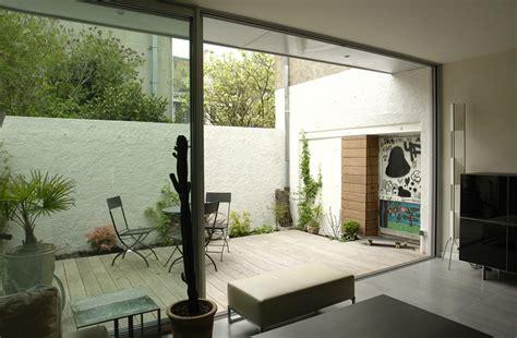 maison contemporaine avec patio interieur tours maison contemporaine colbert votre maison d architecte en touraine