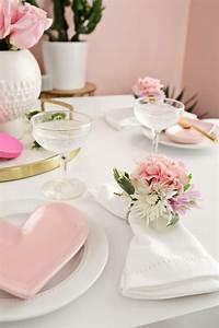 Tisch Selber Machen : 1001 ideen wie sie eine elegante tischdeko selber machen ~ Markanthonyermac.com Haus und Dekorationen
