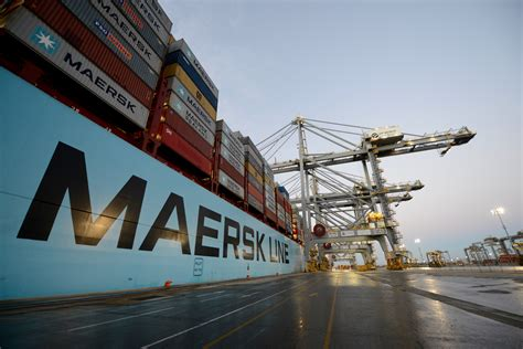 maersk lines samba service  call  dp world london
