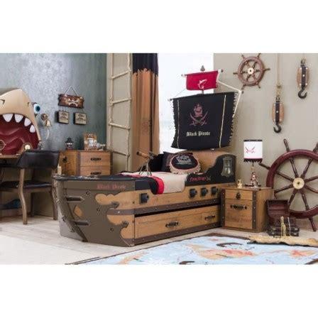 decoration chambre petit garcon lit pirate lit pour chambre de pirate et housse de