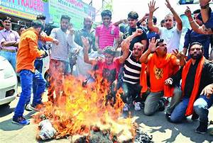 Tourist's killing in Kashmir Valley widely condemned ...
