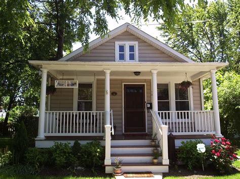 bungalow house plans with front porch bungalow white bungalows