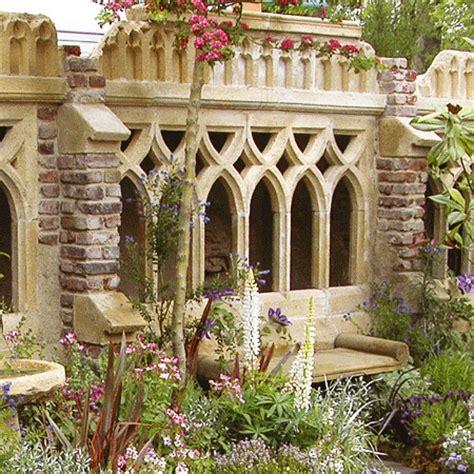 Deko Ziegelwand Garten by Antike Deko Garten Ruine Newcastle Cloister Gartentraum De