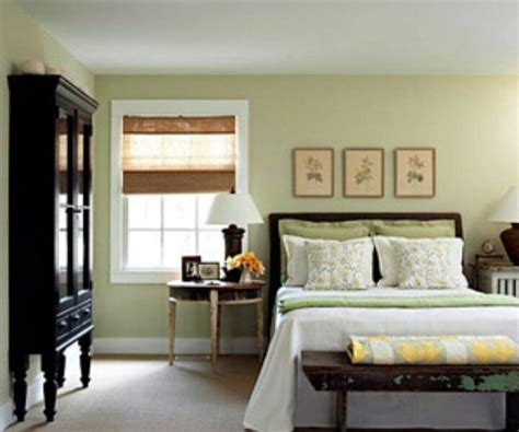 How To Decorate A Bedroom With Green Walls - bedroom green walls light green bedroom wall color