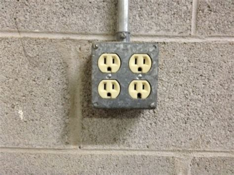 garage shop electrical outlet hidden spy dvr camera