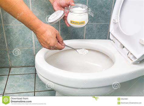 nettoyer toilettes bicarbonate de soude 28 images comment nettoyer votre matelas facilement