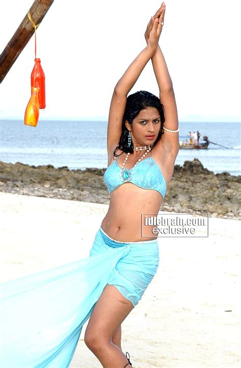 CELEBRITY PICTURES   FAT'S BLOG: Shraddha das hot stills