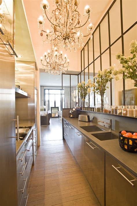 cuisines et bains magazine la cuisine derrière la verrière cuisines et bains