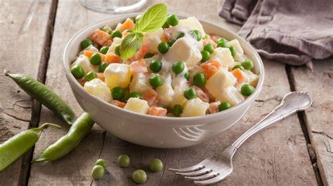 Aprende a preparar una deliciosa ensalada rusa con esta ...
