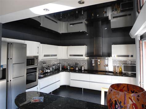 cuisine laque meuble cuisine polymere ou laque