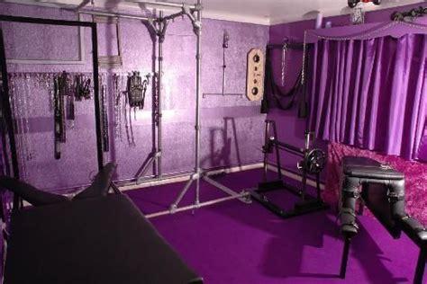 wouldnt  complete   purple sex dungeon