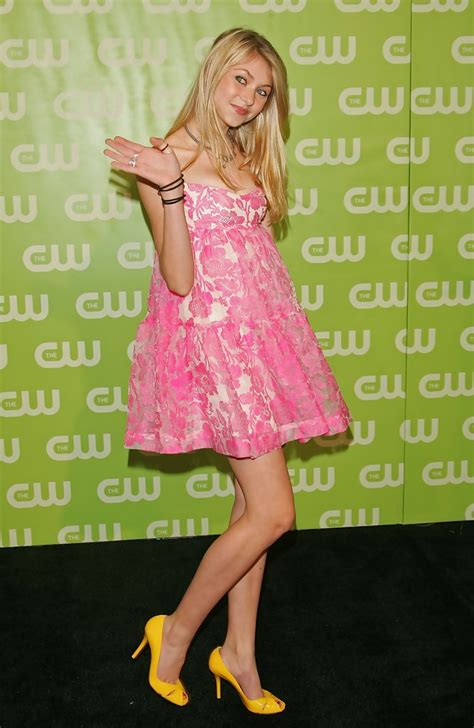 Taylor Momsen - Taylor Momsen Photos - The CW Network ...