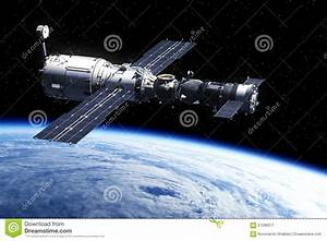 Space Station Orbiting Earth Stock Illustration - Image ...