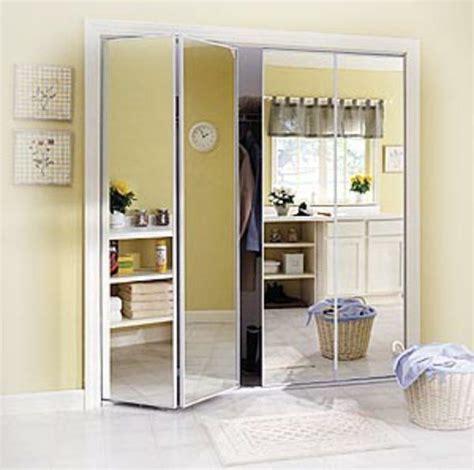 porte placard cuisine castorama 1000 idées sur le thème portes pliantes sur