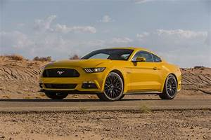 Ford Mustang Gt 2015 : 2015 ford mustang gt first test motor trend ~ Medecine-chirurgie-esthetiques.com Avis de Voitures