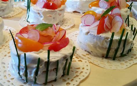 canap駸 au saumon montages frais de canapés au concombre et au saumon l 39 atelier du délice