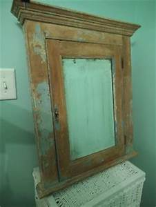 1000 images about vintage medicine cabinets on pinterest With beach medicine cabinet