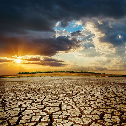 Experience genuine adventures in the grand world of black desert. Drought Earth In Sunset Dramatic Sky Over Desert Change Climate Stock Photo - Download Image Now ...