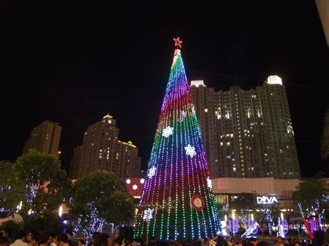 christmas tree lighting nyc 2017 christmas lights in new york city 2017 decoratingspecial com