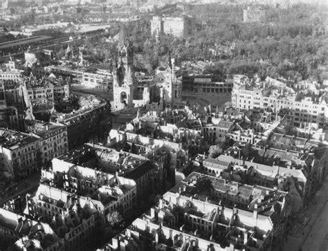 Zoologischer Garten Berlin Kirche by 1944 Kaiser Wilhelm Gedaechtniskirche Links Der Bahnhof