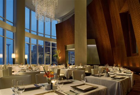 chicago restaurants dining fine sixteen upscale