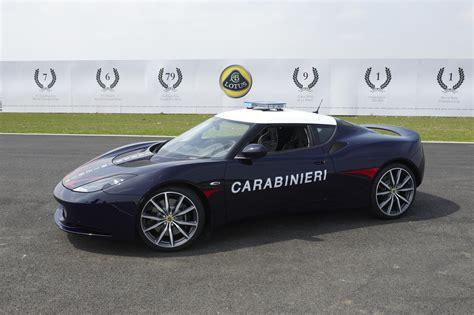 lotus evora  joins italian carabinieri